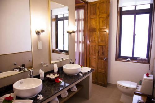 Family Suite Bathroom